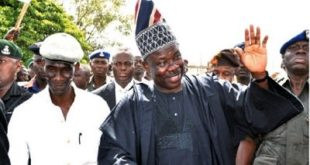 Amosun, 3000 Others Decamp To PDP In Ogun